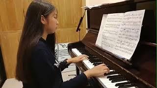 น้องเกรซเรียนเปียโน