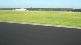 preview picture of video 'Ryanair take-off Eindhoven Airport'