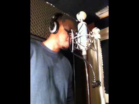 "Musicologizt Reed singing ""SupaStar"""