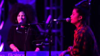 "Ibeyi   ""IntroGhosts"""