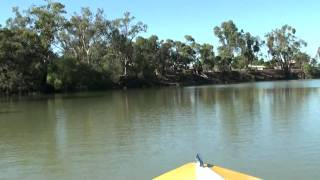 preview picture of video 'Speedboat on the Murrumbidgee at Hay, NSW (HD)'