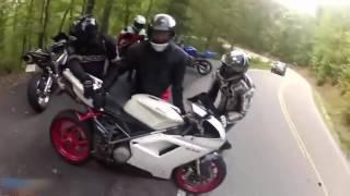 Мото падение глазами мотоциклиста - Больно смотреть Moto crash 2017