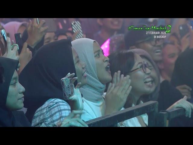Konser #TemanTapiMenikah 2 Dengarkan Dia - Teman Tapi Menikah Part 6