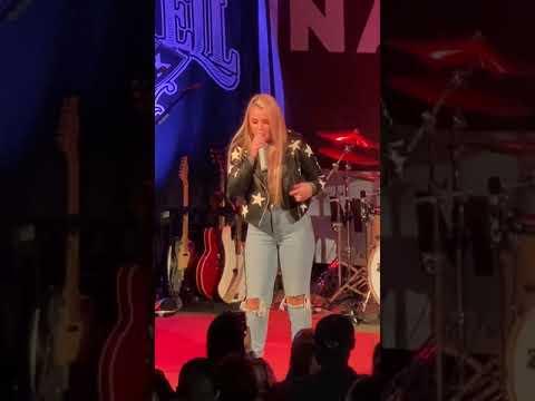 """Gabby Barrett """"I Hope"""" live Nashville 11.19.19"""
