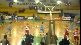 preview picture of video 'Sudamericano de básquetbol Sub 15 - Uruguay 61-33 Perú (Maldonado)'