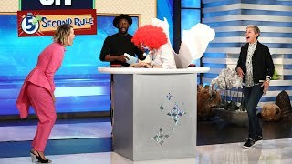 Sarah Paulson Gets Scared During '5 Second Rule' - Video Youtube