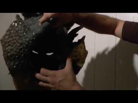 Man ist wieviel, die Maske mit dem Honig auf dem Haar zu halten