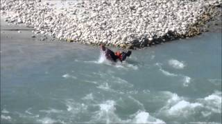 preview picture of video 'River Rafting in Bhutan - Rivers Pho Chu (father) & Mo Chu (mother)'