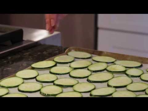 Video How to Make Crispy Healthy Zucchini Chips!