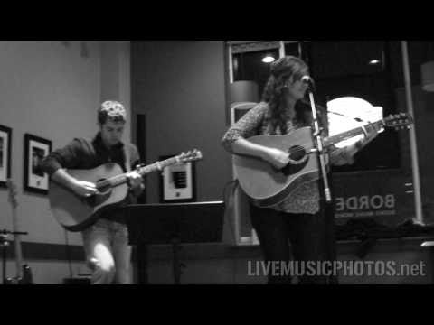 "Laura Gould & Brad Myers - ""This Heart"" - Live at Borders in Ames, Iowa"