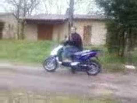 Jeremy sa premiere fois sur un scooter