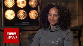 Alicia Keys on make-up, sexism and Trump - BBC News
