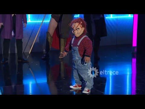 Guido liberó a Chucky de la caja y todos salieron corriendo del susto