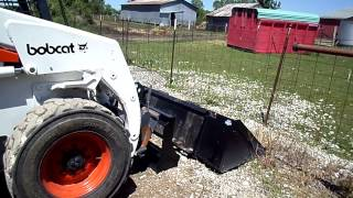Bobcat 853 changing buckets