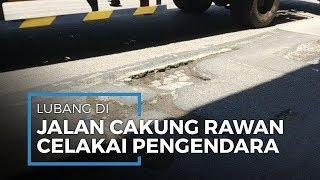 Lubang di Jalan Raya Cakung Cilincing Makin Parah Pascabanjir dan Sering Bikin Pemotor Jatuh