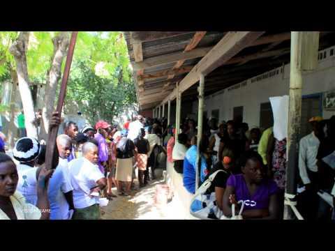 Au printemps 2013, une vidéo de 6 minutes sur le projet d'IRIS Mundial à l'Île de la Gonâve a été publiquement lancée sur les réseaux sociaux. C'est donc aujourd'hui, le 13 août, qu'IRIS Mundial et VISIONTRAME rendent officiellement publique la version longue. Il s'agit d'un documentaire d'environ 30 minutes qui contient davantage de précisions et de témoignages sur la mission. Pour tous les amis d'IRIS Mundial, voici donc l'occasion d'en apprendre plus sur les activités de l'organisation. Pour les bénévoles, c'est l'occasion de se remémorer de bons souvenirs! Bon visionnement!