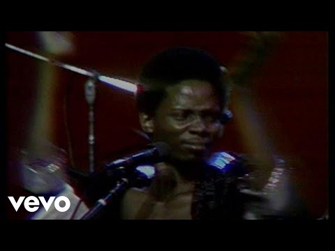 Earth, Wind & Fire - Evil (Live)