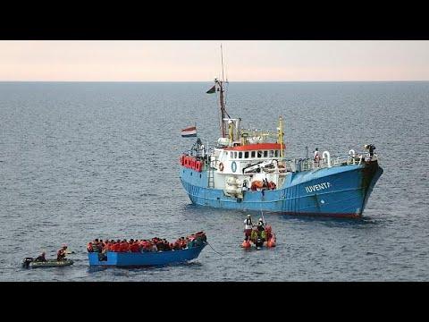 Δεκάδες νεκροί μετανάστες σε ναυάγιο στα ανοιχτά της Λιβύης