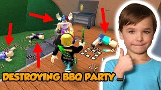 DESTROYING BBQ PARTY In ROBLOX MURDER MYSTERY 2 !