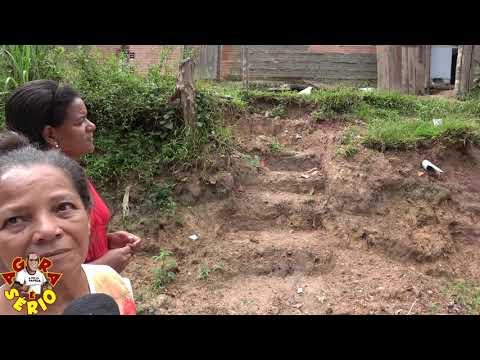 Terraplenagem coloca em risco a Casa da Dona Maria na Travessa do Sossego Favela do Justinos.
