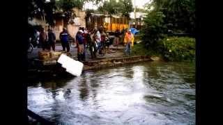 preview picture of video 'Inundaciones del rio Sagua la Grande en el 2012'