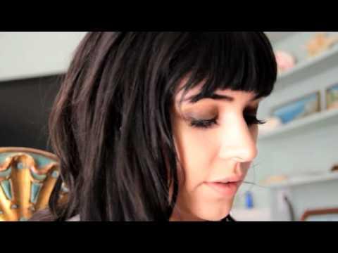 Hanna Beth - Make Up Tutorial for Smokey Eyes