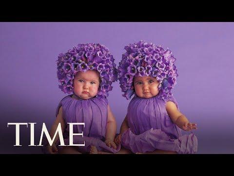 Jak Anne Geddes fotí miminka