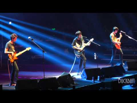 [Fancam] CNBLUE - LALALA 라라라 in Guangzhou 씨엔블루 용화