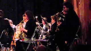 preview picture of video 'Banda de Musica de Alba de Tormes - Pasodobles Taurinos - Suspiros de España (saxos)'