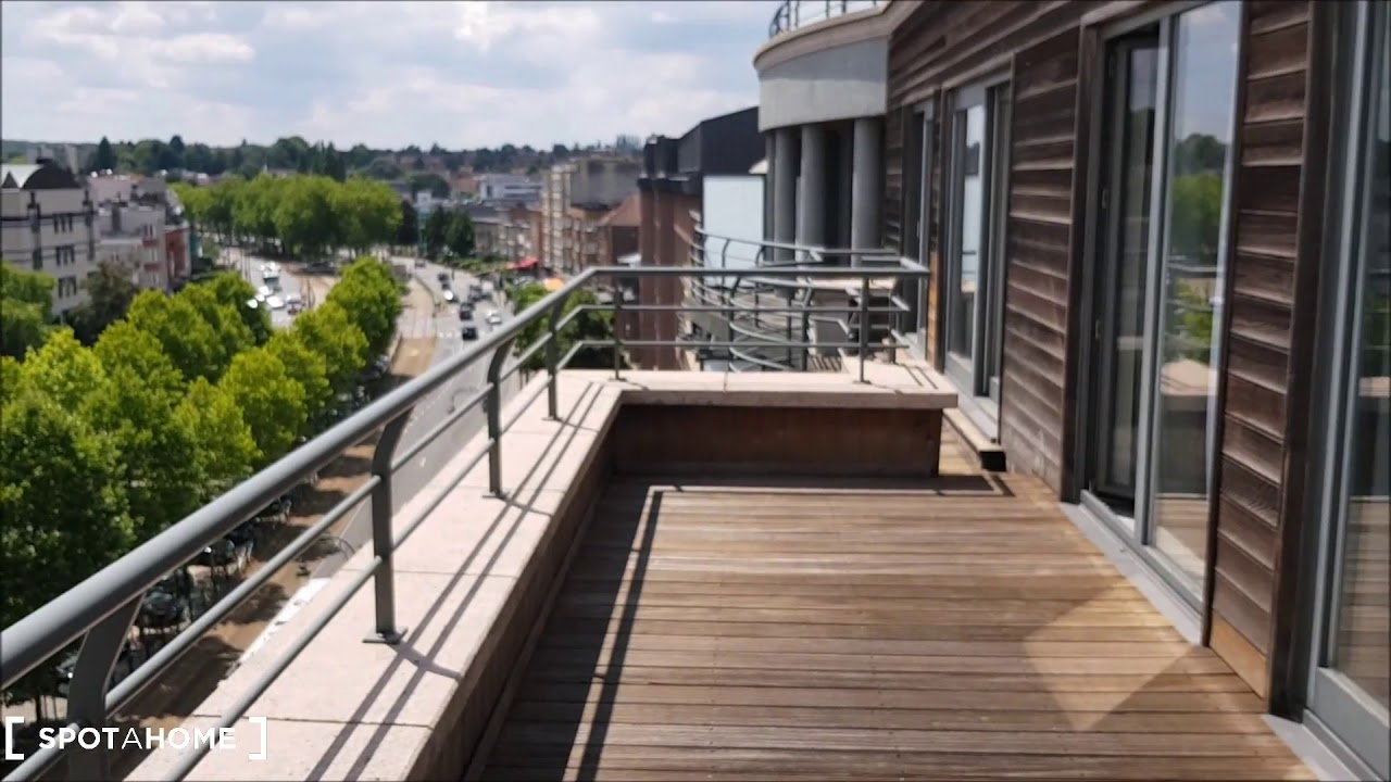 Modern 2-bedroom apartment with balcony for rent in  Auderghem
