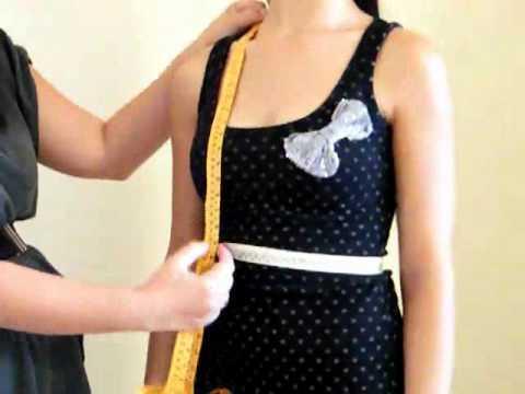 Portare un corsetto per correzione di un portamento