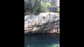 preview picture of video 'Salto en el barranco de las Hoces del Jucar 12-8, 16h.'