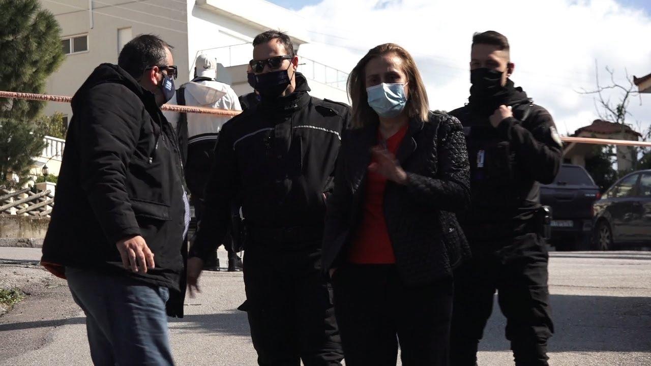 Δολοφονήθηκε ο δημοσιογράφος Γιώργος Καραϊβάζ σε ενέδρα έξω από το σπίτι του
