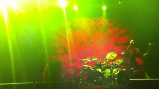 Anthrax - Intro + Earth on Hell (Metal Fest Chile 2012)