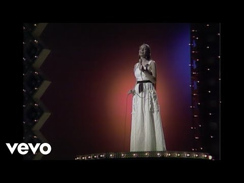 Crystal Gayle - I'll Get Over You (Live)