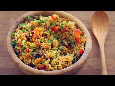 Video BEST QUINOA SALAD RECIPE EVER!  (Colourful mint + turmeric salad)
