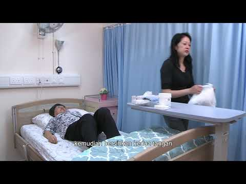 影片: Membantu lansia menangani inkontinensia