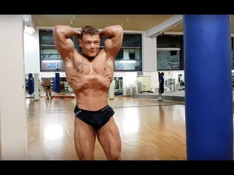 bodybuilder crni gay porno