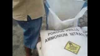 preview picture of video 'TNI Kodim 1202 singkawang tangkap 900 kilogram bahan peledak 1)'