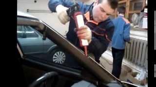 Монтаж автомобильного стекла в мастерской
