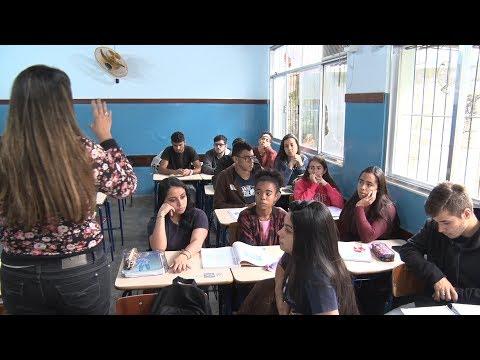 Em tempos de polarização, dá para debater política na escola?