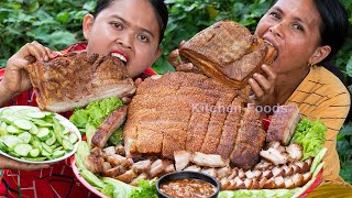 Cooking Crispy Pork Belly Recipe for Eating with Tamarind Sauce Fried Rice Powder - Donation Foods