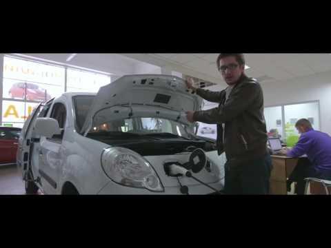 Renault  Kangoo Ze Минивен класса M - тест-драйв 3