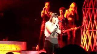 Kelly Clarkson - Let Me Down &  I Forgive You - Radio City Music Hall