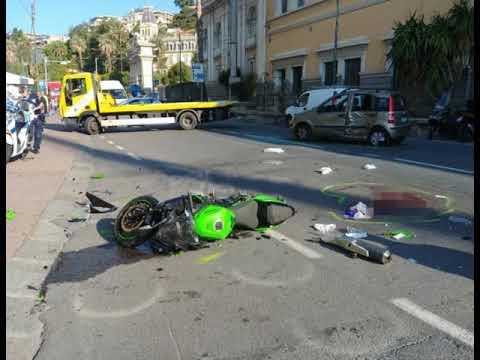 SANREMO: TERRIBILE SCONTRO IN CORSO MAZZINI, MOTOCICLISTA IN CODICE ROSSO