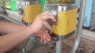 Как взломать автомат с конфетами ?
