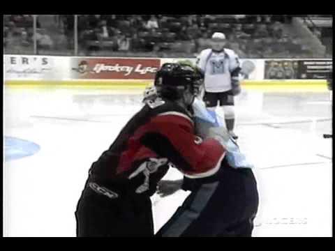Casey Cizikas vs. Andrew Agozzino