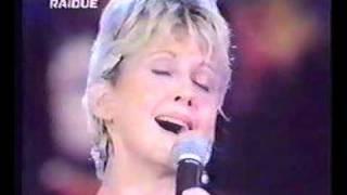 "Olivia Newton-John -ROME Concert for the Jubilee 2000  ""Over the rainbow"""