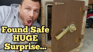 FOUND HUGE SAFE I Bought Abandoned Storage Unit Locker / Opening Mystery Boxes Storage Wars Auction