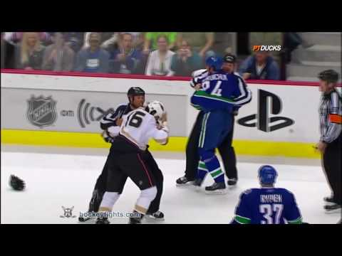 George Parros vs Darcy Hordichuk
